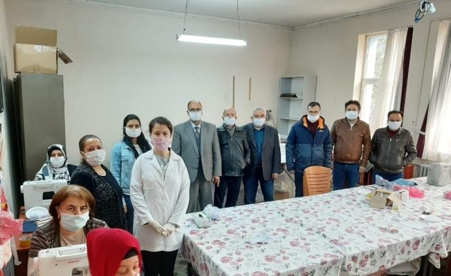 Maske üretiminin ardından 'yüz koruyucu siperlik' üretmeye başladılar