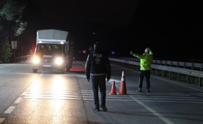Manisa'ya giriş-çıkışlar durduruldu, belgesi olmayanlar geri döndürüldü