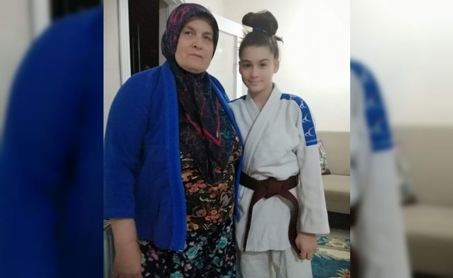 Babaanneden judocu toruna antrenman desteği