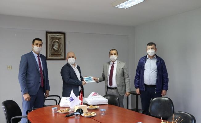 Manisa Büyükşehir Belediyesinden akademik odalara maske desteği