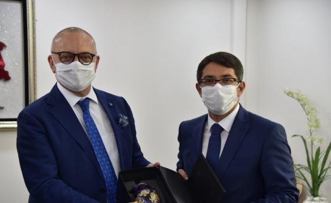 Başkan Ergün, Şehzadeler Belediyesini ziyaret etti