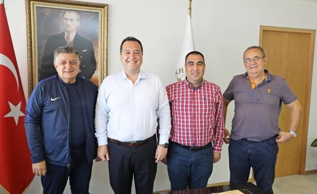 Akhisarspor'un yeni sponsoru Akhisar Belediyesi