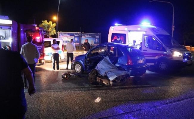 Manisa'da otomobil ile motosiklet çarpıştı: 1 ölü, 3 yaralı