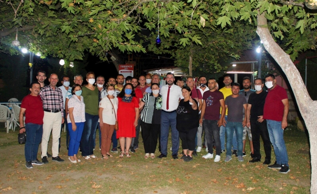AK Parti'den istifa eden 55 kişi İYİ Parti'ye geçti