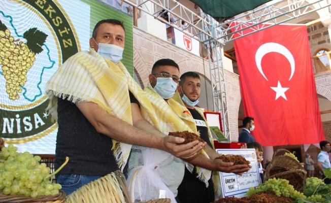 Bakanın açıkladığı kuru üzüm fiyatı üreticiyi sevindirdi