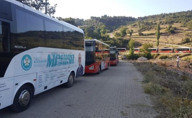 Manisa Büyükşehir Belediyesi yangın bölgesi için seferber oldu