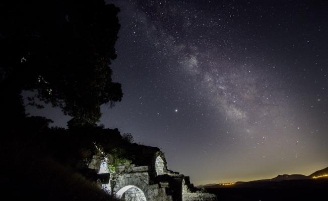 (Özel) Manisa'nın antik kentlerinde yıldız şöleni