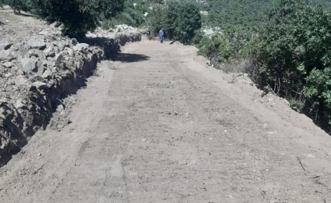 Yunusemre'den Demirci Mahallesine 2 kilometrelik yol