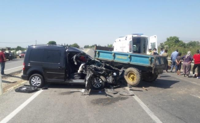 Alaşehir'de trafik kazası: 2 yaralı