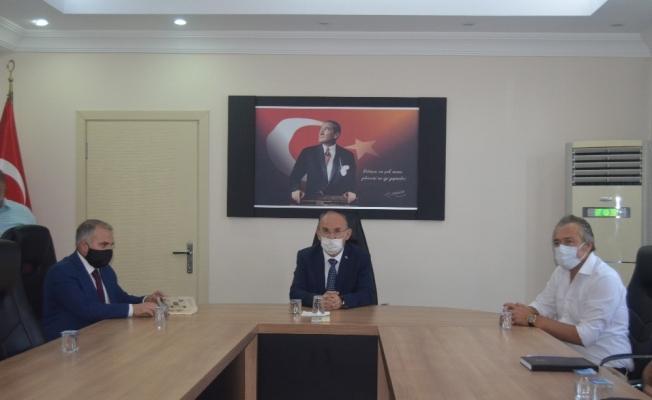 Manisa Valisi Karadeniz Selendi'de temaslarda bulundu