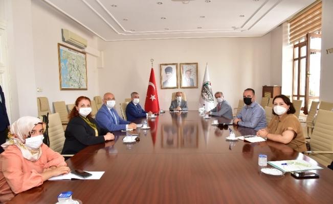 Manisa'da İl Sağlık Müdürlüğü personeli ile korona virüs tedbirlerini görüştü