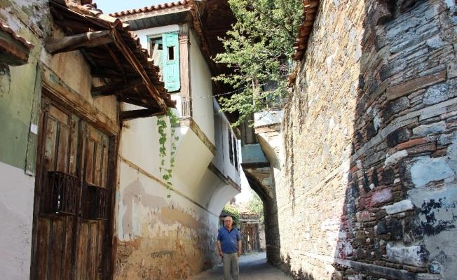 Tarihi Kula evleri yok olma tehlikesiyle karşı karşıya
