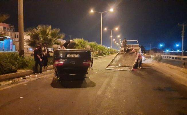 Turgutlu'da kamyon ile otomobil çarpıştı: 3 yaralı
