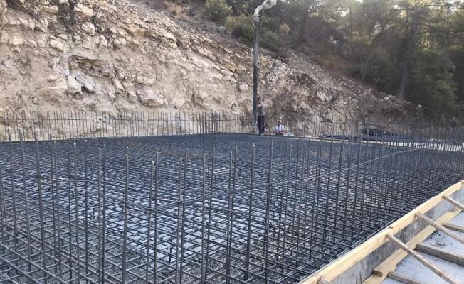 Akhisar'da damla sulama tesisi çalışmaları devam ediyor
