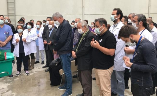 Manisa'da koronadan ölen hastane çalışanına hüzünlü veda