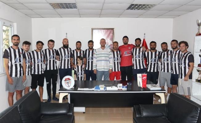 Transfer yasağı kalkan Manisaspor'da 14 imza birden