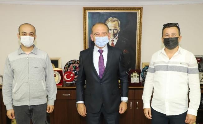 Turgutlu'daki iki İnternet kafeden eğitime destek