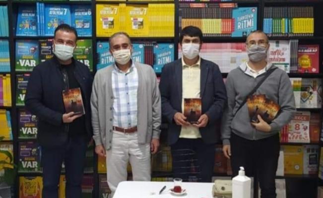 Yangın romanı okuyucularıyla buluştu