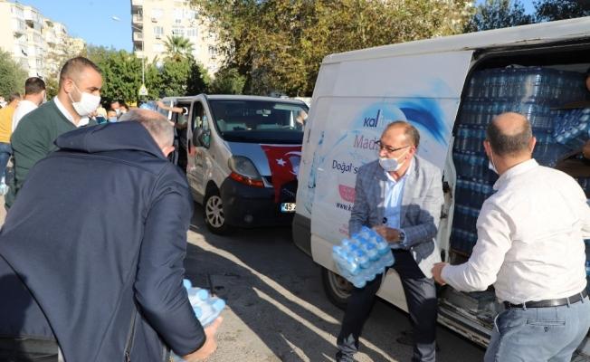 Başkan Akın deprem bölgesinde yardım çalışmalarına katıldı