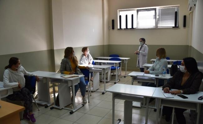 Yabancı uyruklu kadınlar YUNMEK ile Türkçe öğreniyor