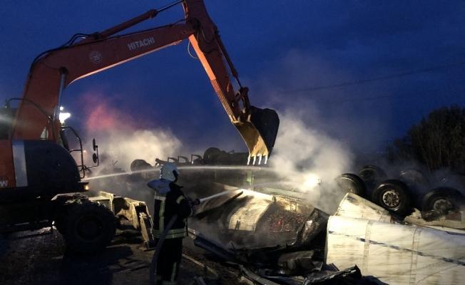 Moldova uyruklu tır devrildi sürücüsü feci şekilde can verdi