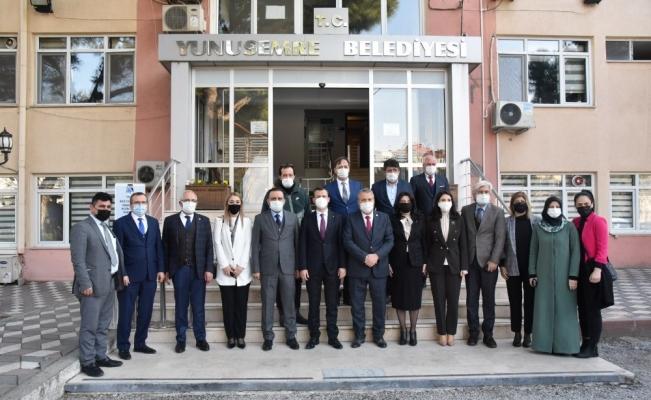AK Parti'li Fatih Şahin Manisa'da temaslarda bulundu
