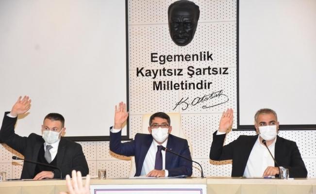 Şehzadeler Belediyesi esnafın pandemi yüküne omuz verdi