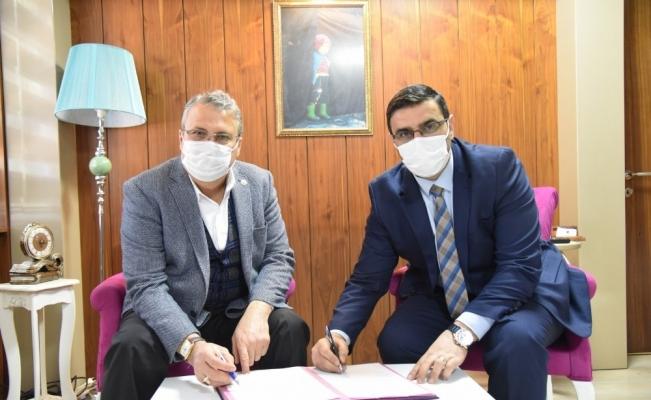 Yunusemre Belediyesinde kadrolu işçileri sevindiren imza