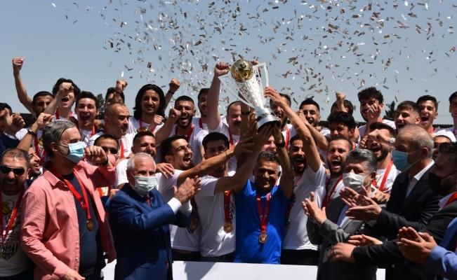 Somaspor'da şampiyonluk kupası coşkusu