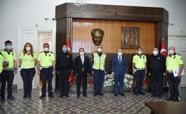 Manisa'da başarılı trafik polisleri ödüllendirildi