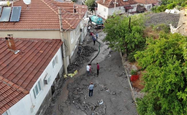 Manisa'da bir mahalle sel felaketi yaşadı