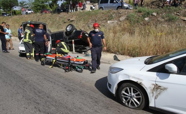 Manisa'da zincirleme trafik kazası: 1'i çocuk 3 yaralı
