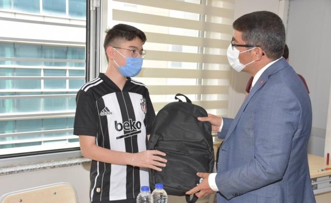 Başkan Çelik'ten LGS'ye girecek gençlere moral hediyesi