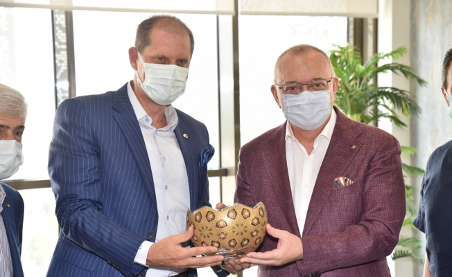Başkan Özkasap'tan Başkan Ergün'ün hizmetlerine övgü