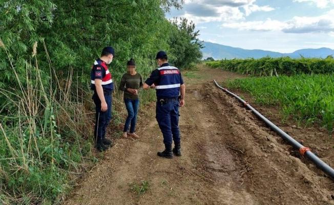 Manisa'da kaybolan kız çocuğu jandarma tarafından bulundu