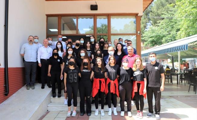 Turgutlu Belediyespor Kadın Voleybol Takımına moral kahvaltısı