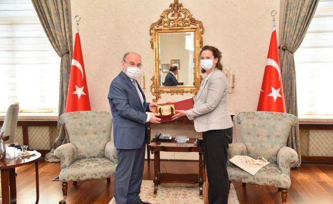 Vali Karadeniz yabancı misafirlerini ağırladı