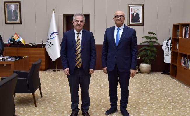 YÖKAK Başkanı Prof. Dr. Elmas'tan Rektör Ataç'a ziyaret