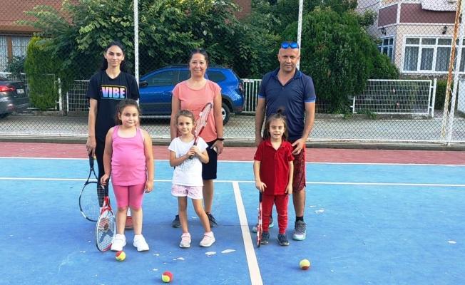 Yunusemre'de tenis kursları başladı