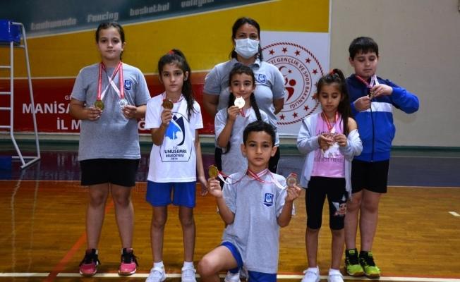 Yunusemreli sporcular valilik kupasında 11 madalya kazandı