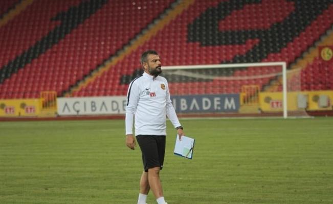 Turgutluspor'da teknik direktörlüğe Akgün getirildi
