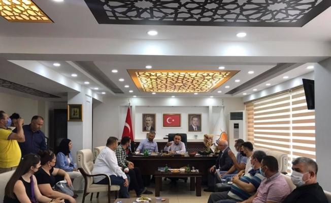 AK Parti'li Baybatur parti teşkilatında vatandaşları ağırladı