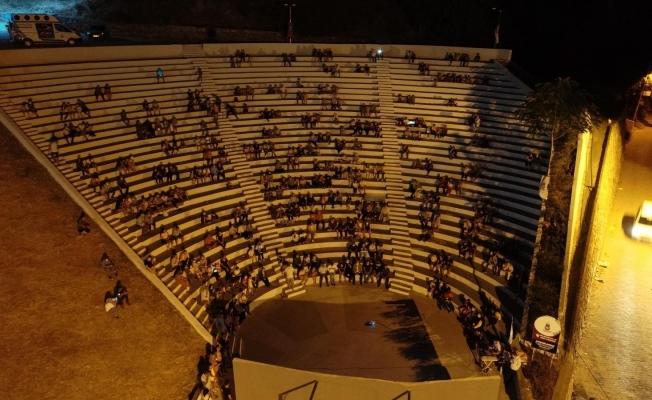 Atıl durumdaki Ağlayan Kaya Amfi Tiyatrosu yeniden hayat buldu