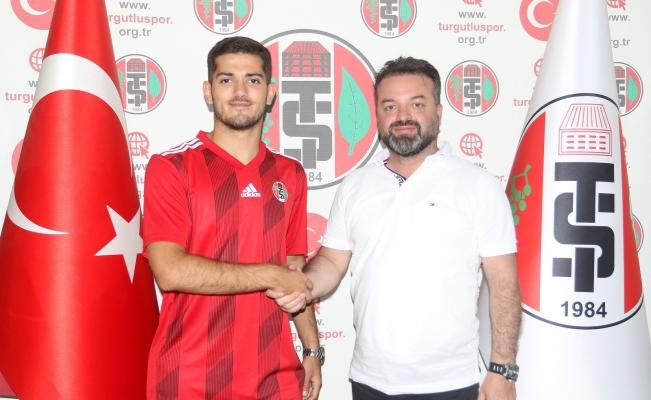 Bursaspor'un genç oyuncusu Berat Altındiş Turgutluspor'da