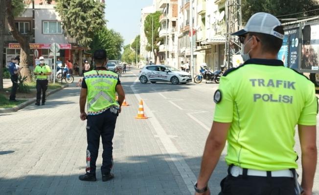 Manisa'da jandarma ve emniyetten ortak trafik denetimi
