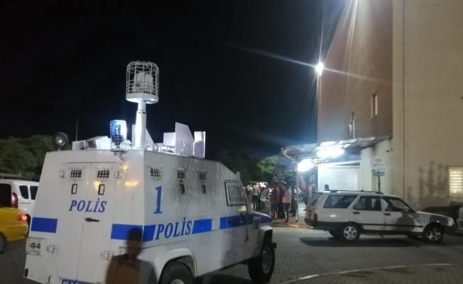 Manisa'da polisi bıçakla yaralayan şüphelilerden 6'sı tutuklandı