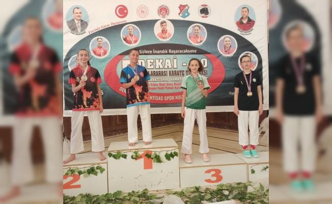 Salihli Belediyesporlu karatecilerden 5 madalya