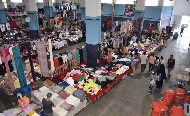 Sosyete pazarı ve sebze meyve pazarı her salı Millet Çarşısında