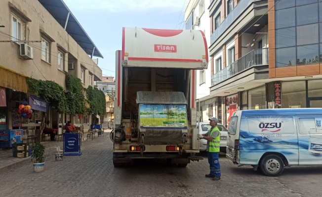 Turgutlu Belediyesinden çöp konteynerlerinin temizliğine etkili çözüm