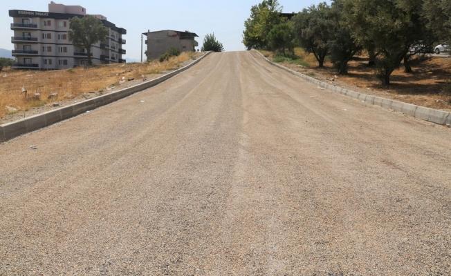 Turgutlu Belediyesinden Selvilitepe Mahallesine asfalt atağı